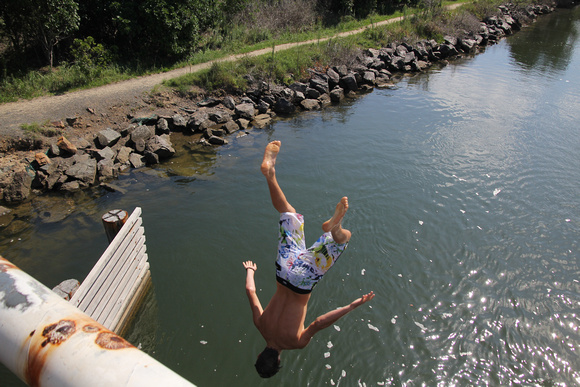 Bridge Jumping South West Rocks Back Creek 12.2.1012